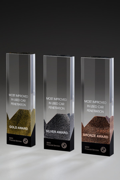 Cosmopolitan Award / Bronze